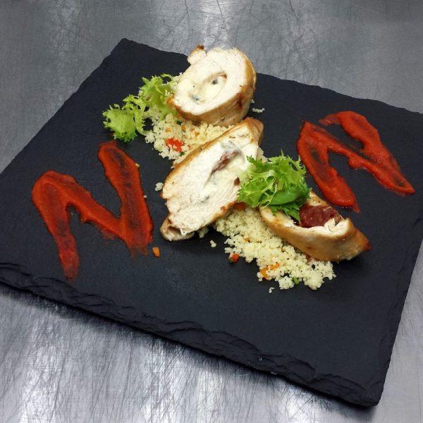Куриное филе фаршированное вялеными помидорами