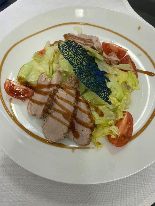 салат со свиной вырезкой